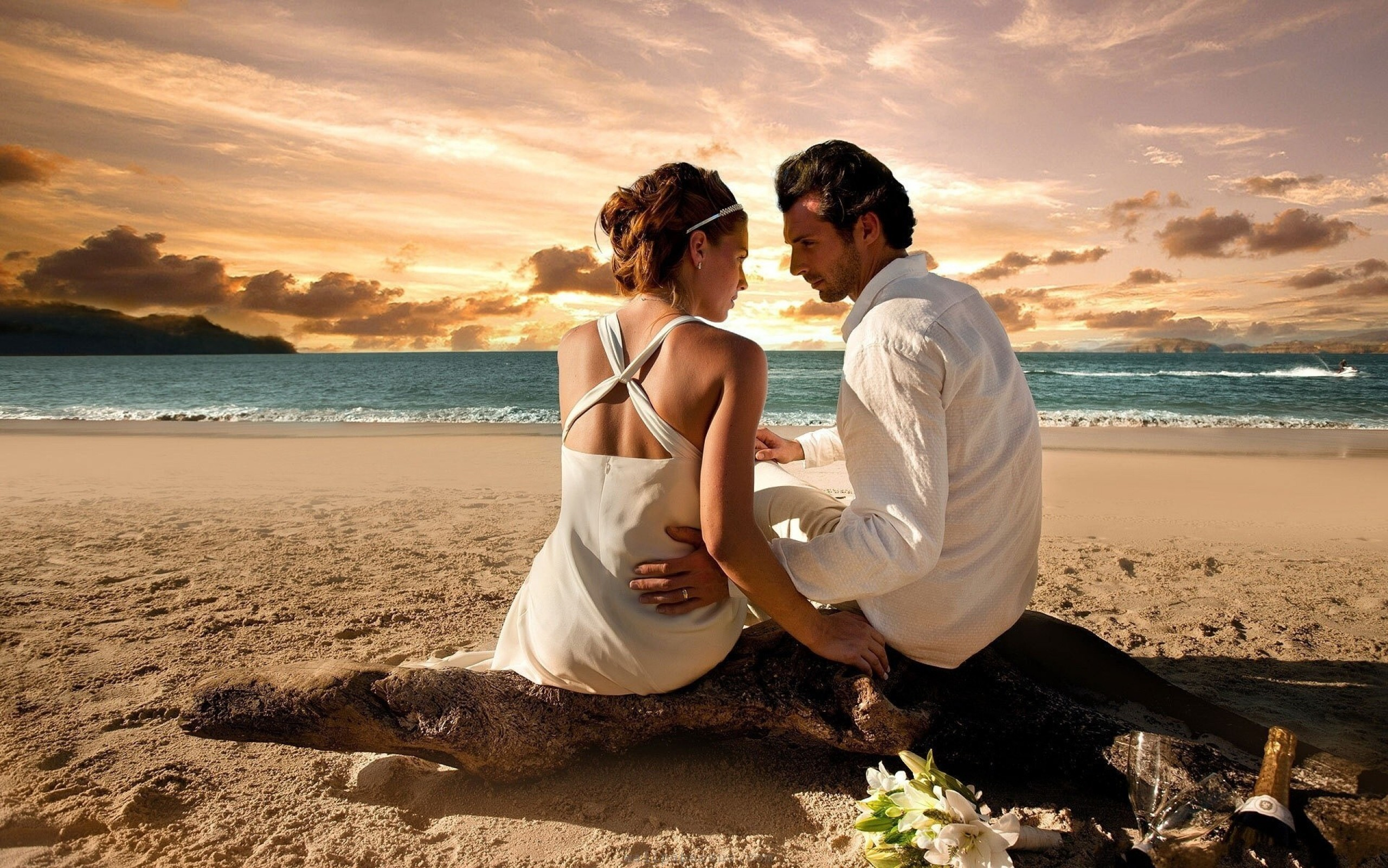 romantic couple love on beach hd desktop wallpapers | hd wallpapers