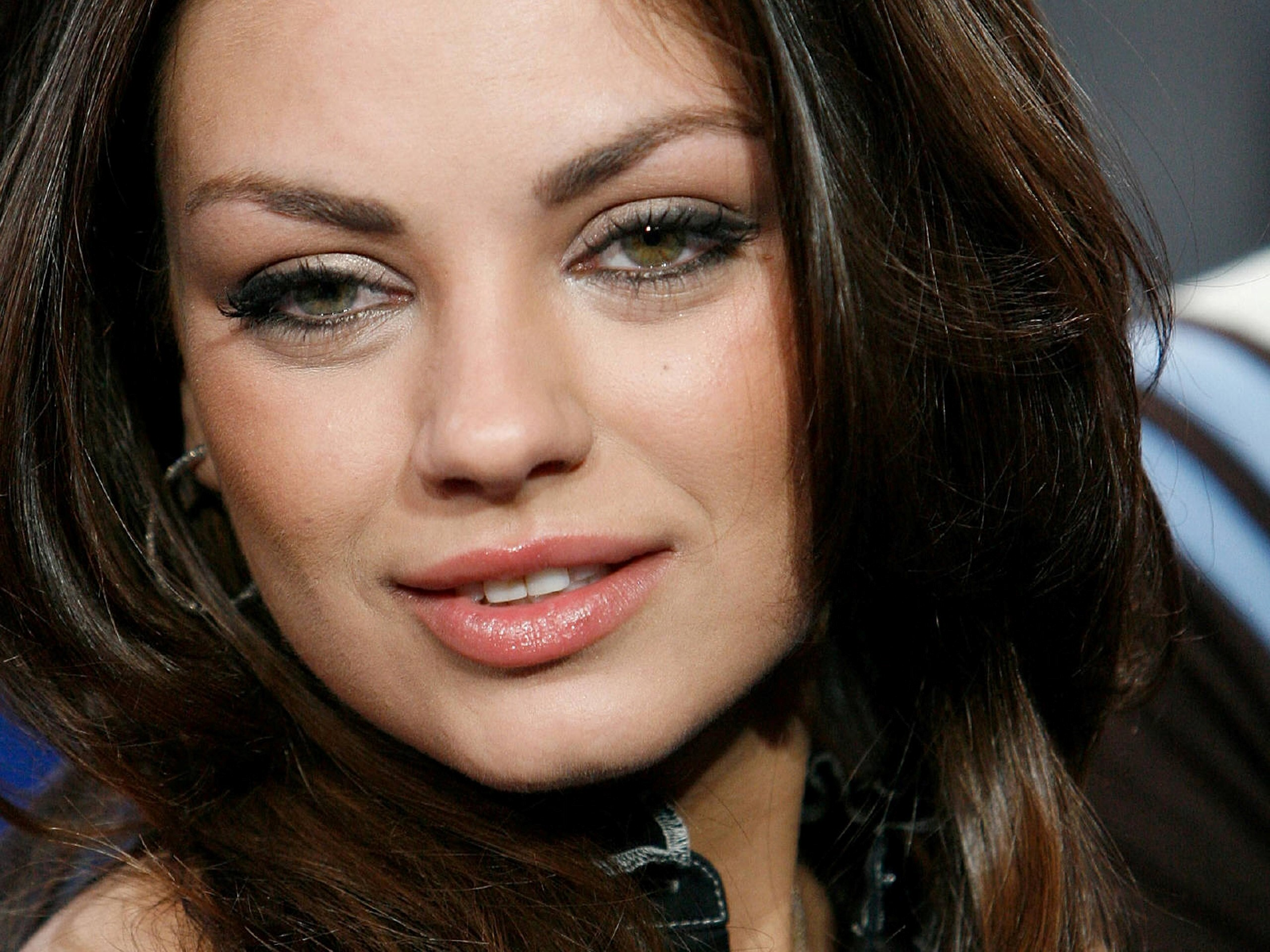 mila kunis face actress hollywood wallpapers hd