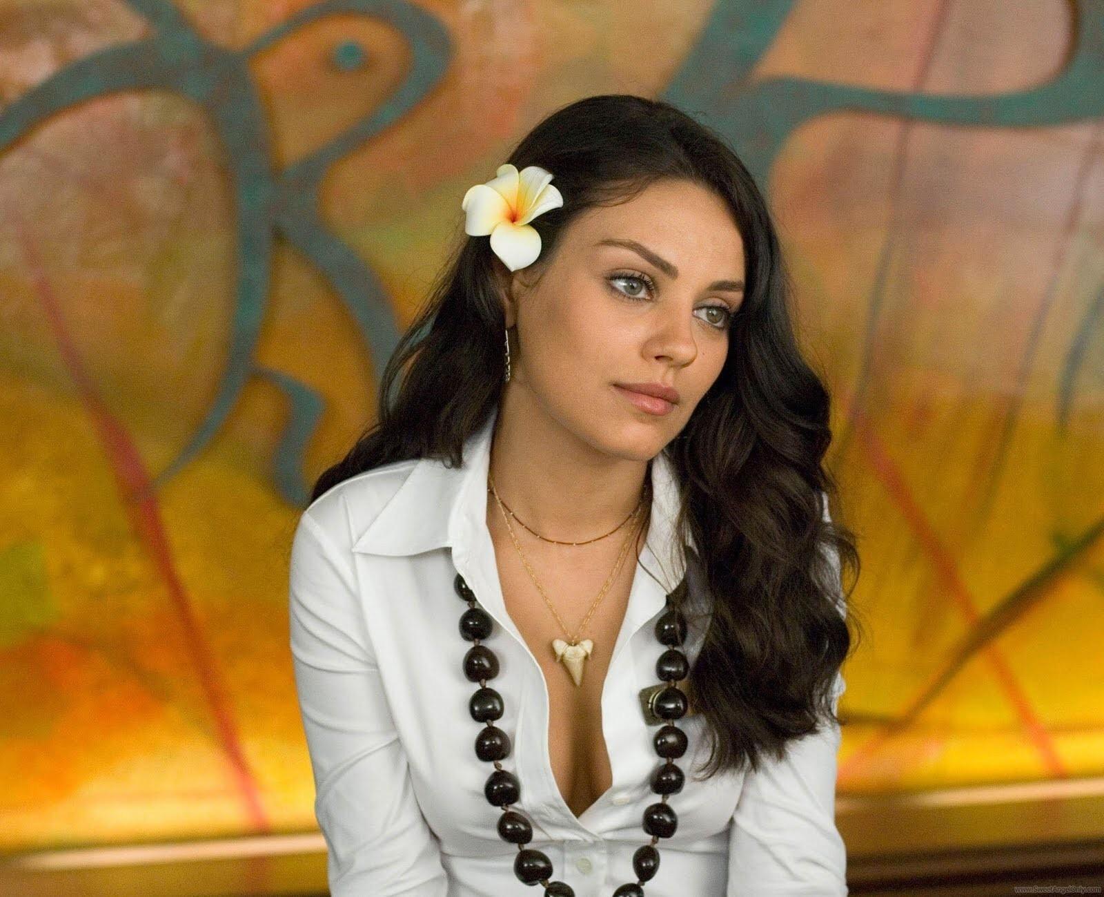 Hot_Mila_Kunis_Hollywood_Actress.jpg