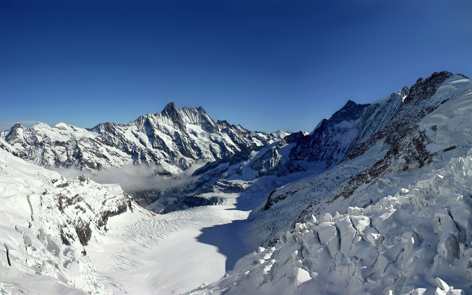 Amazing Snow Mountain Wallpapers