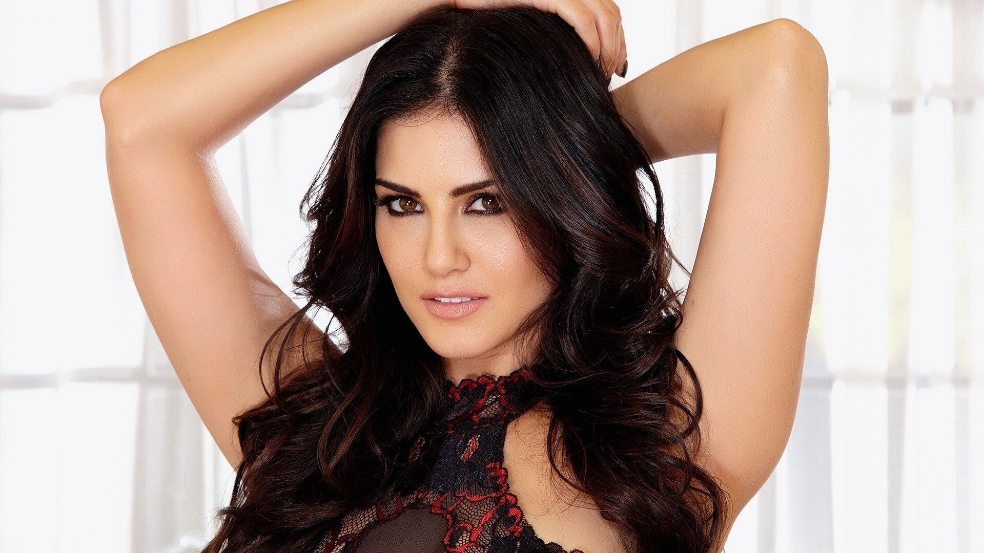 Actress Sunny Leone HD Wallpapers