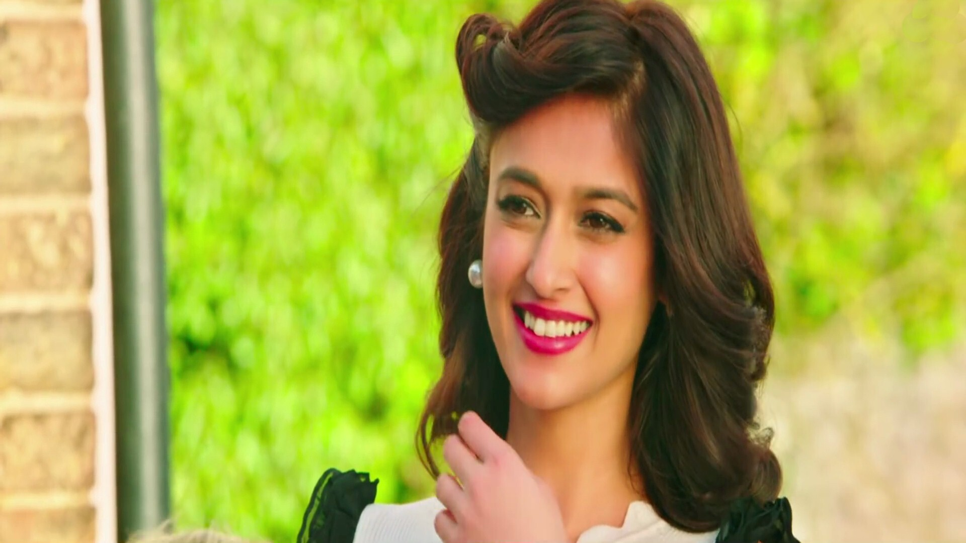 beautiful ileana dcruz in rustom bollywood movie hd wallpapers | hd