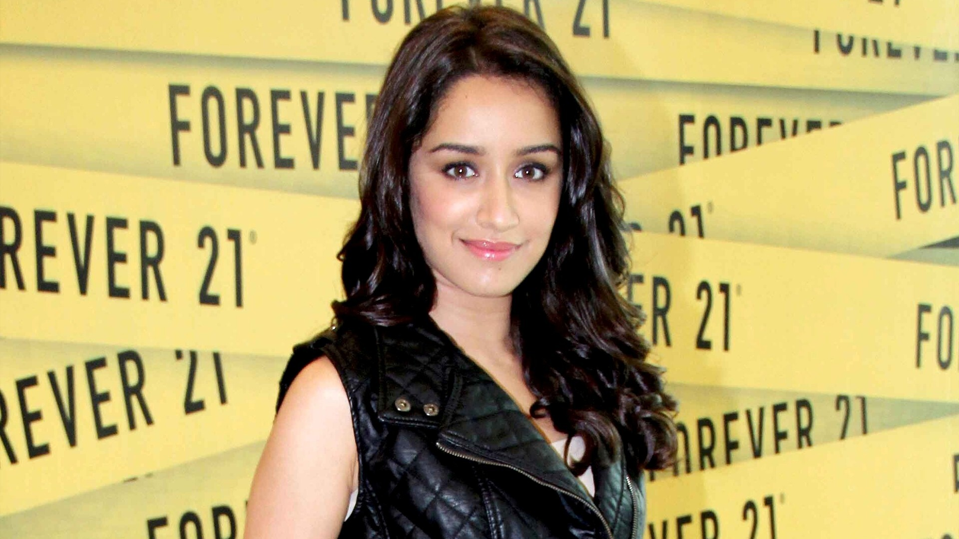 hindi film heroine shraddha kapoor wallpaper | hd wallpapers