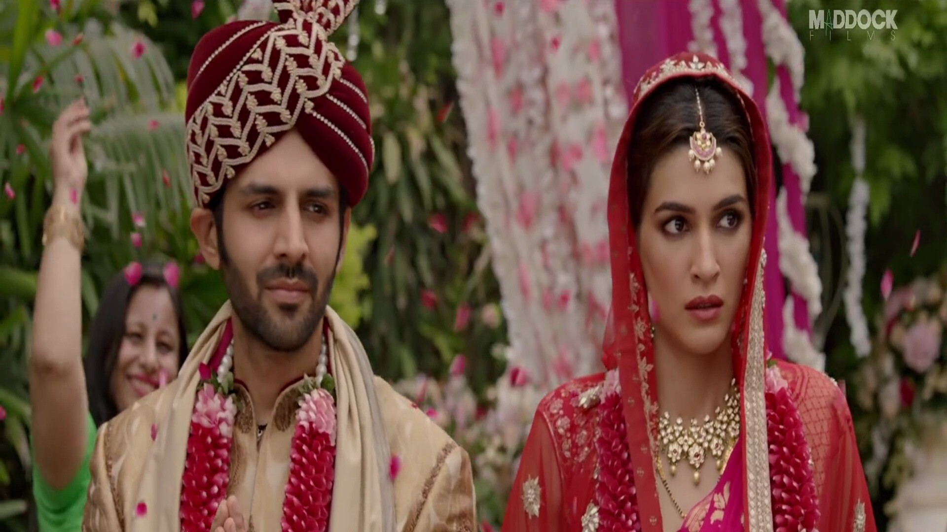 Kartik Aaryan And Kriti Sanon Marriage Wedding Shoot In 2019 Film