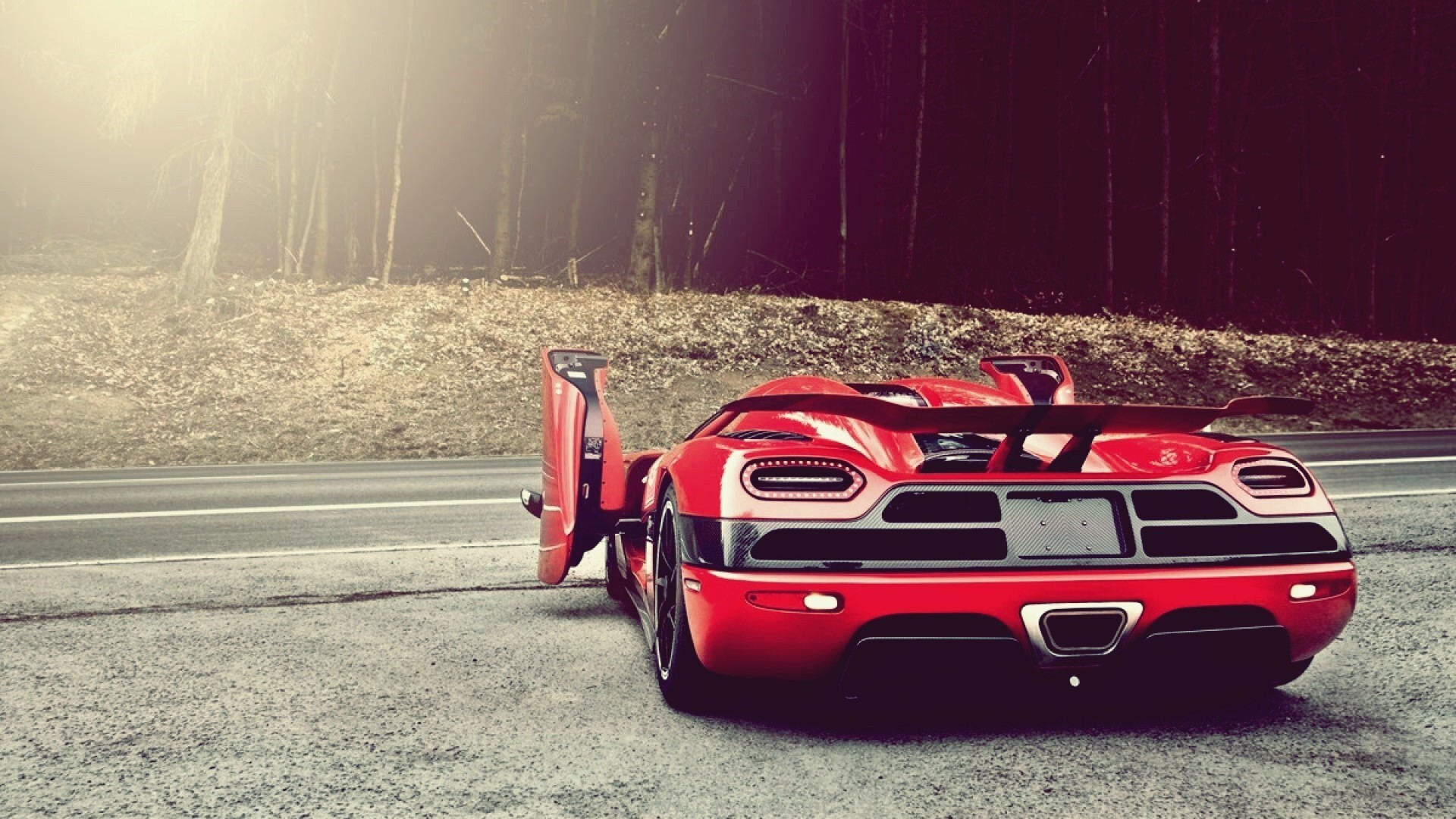 2013 Koenigsegg Agera R HD Racing Car Wallpaper
