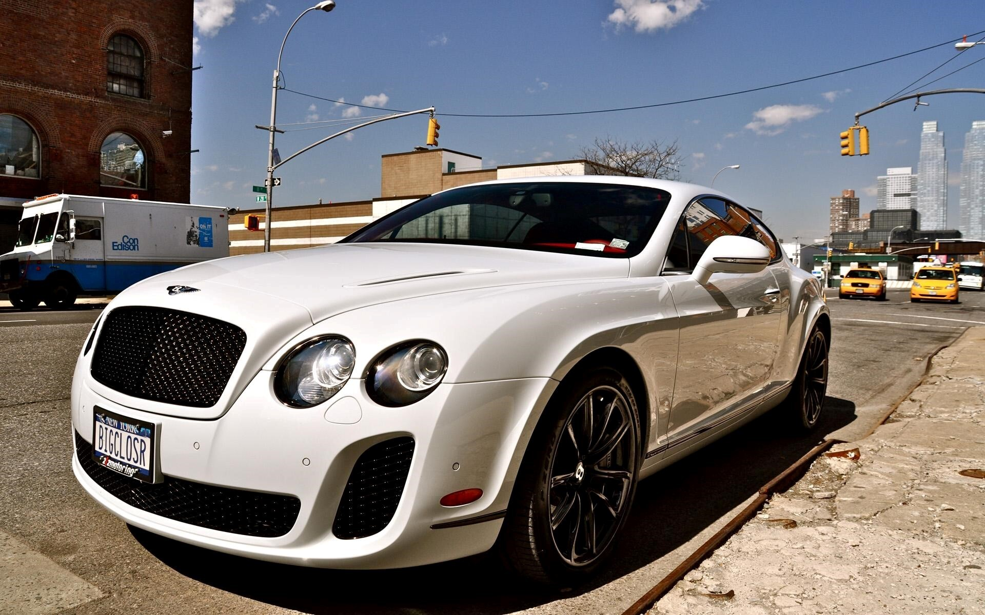 White Bentley Car Wallpaper Hd Wallpapers