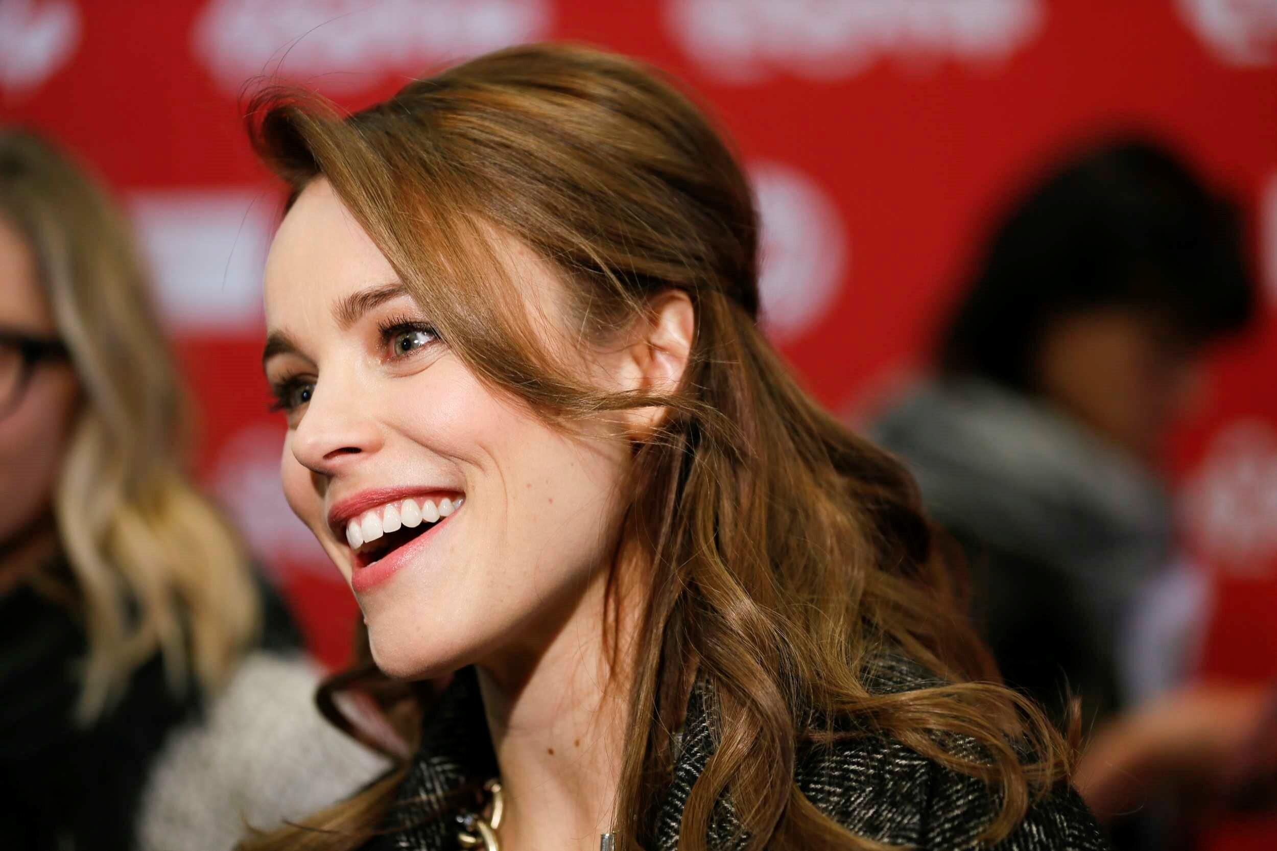 Beautiful Smile Wallpaper: Beautiful Smile Of Rachel McAdams Wallpaper
