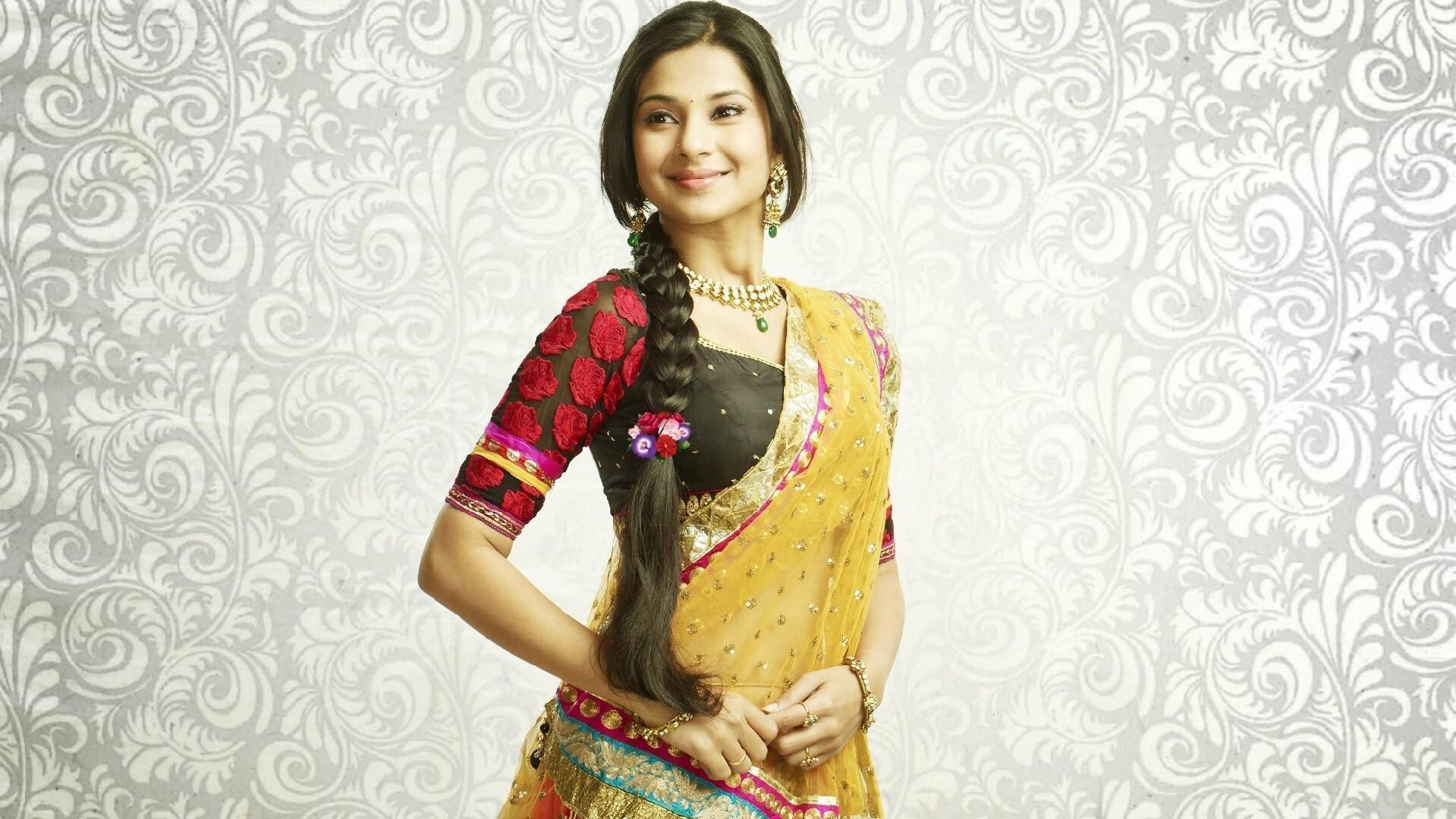 Beautiful Jennifer Winget As Kumud Sundari In Saraswatichandra Hindi