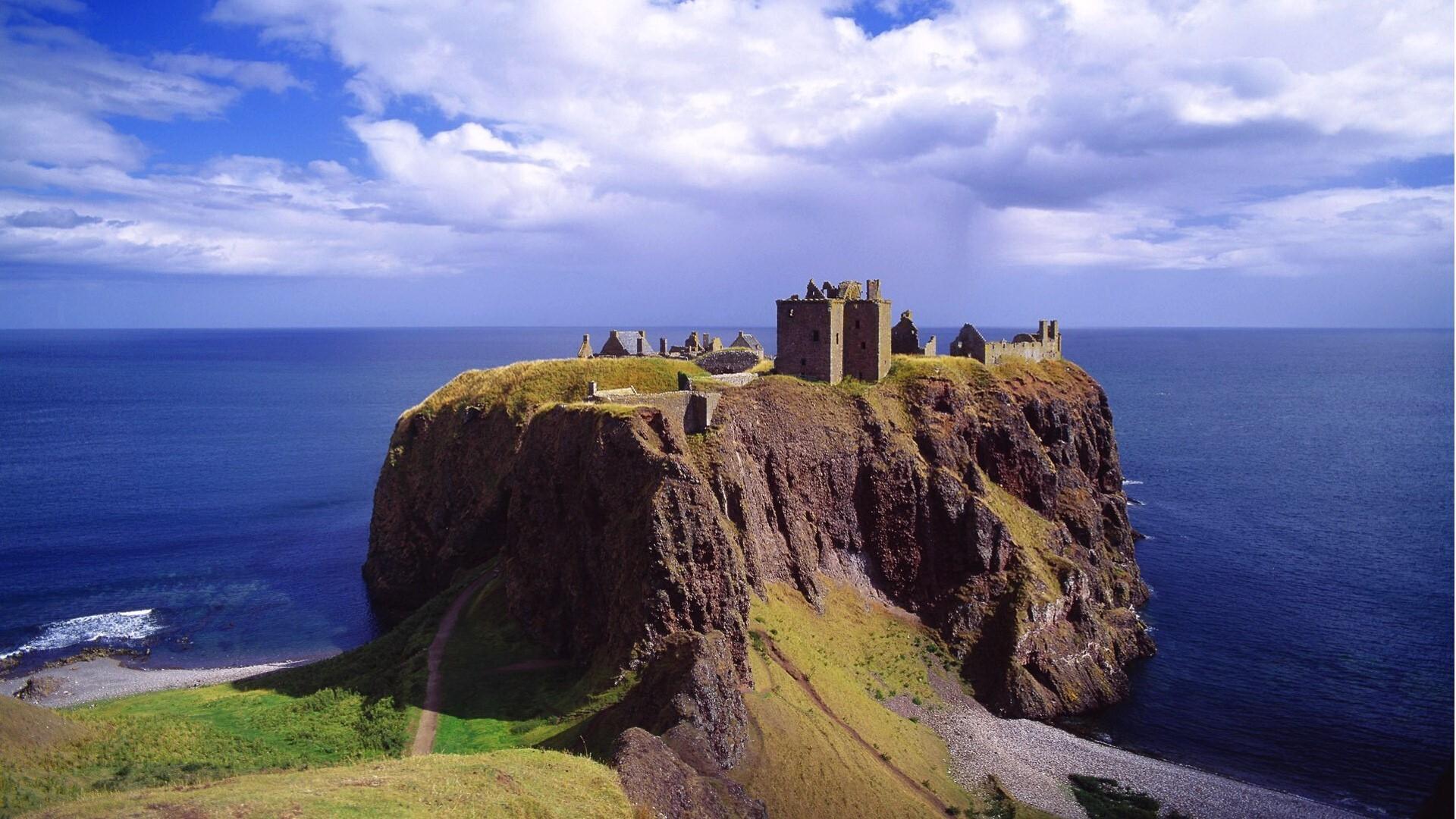 Beautiful dunnottar castle in scotland image hd wallpapers - Scotland wallpaper ...
