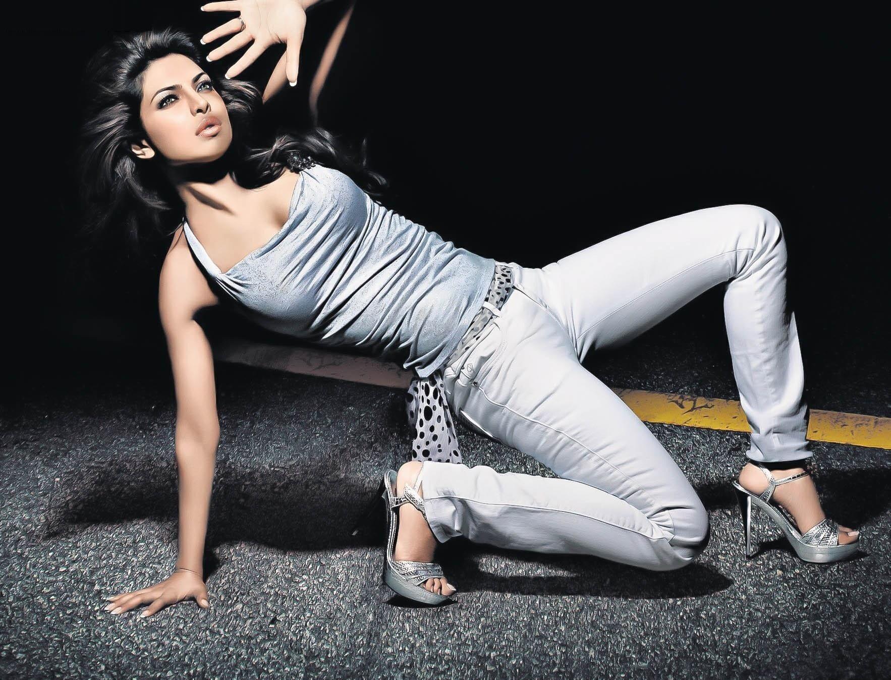 Priyanka Chopra Hd Wallpapers 1920x1080 50355 Movieweb