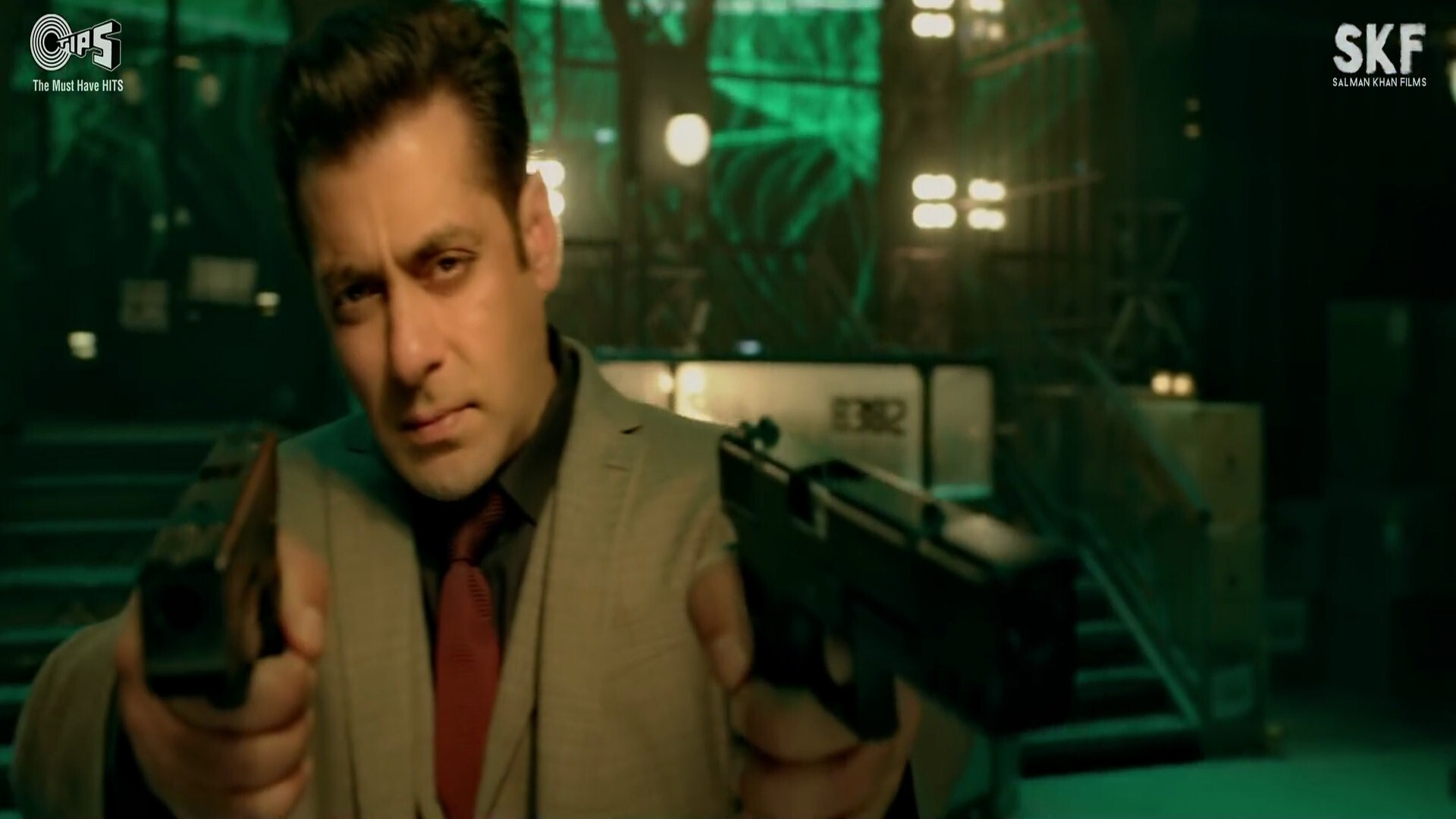 Salman Khan Shoot With Double Pistol In Race 3 Movie Hd Wallpapers