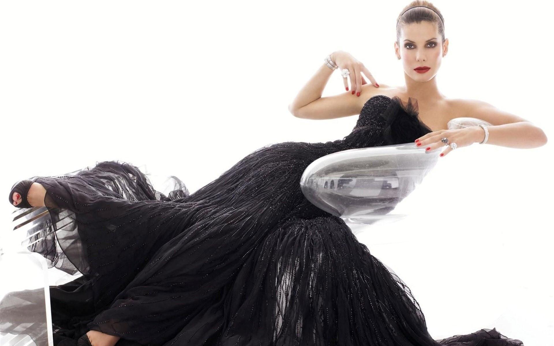 Beautiful Sandra Bullock In Black Dress HD Wallpaper