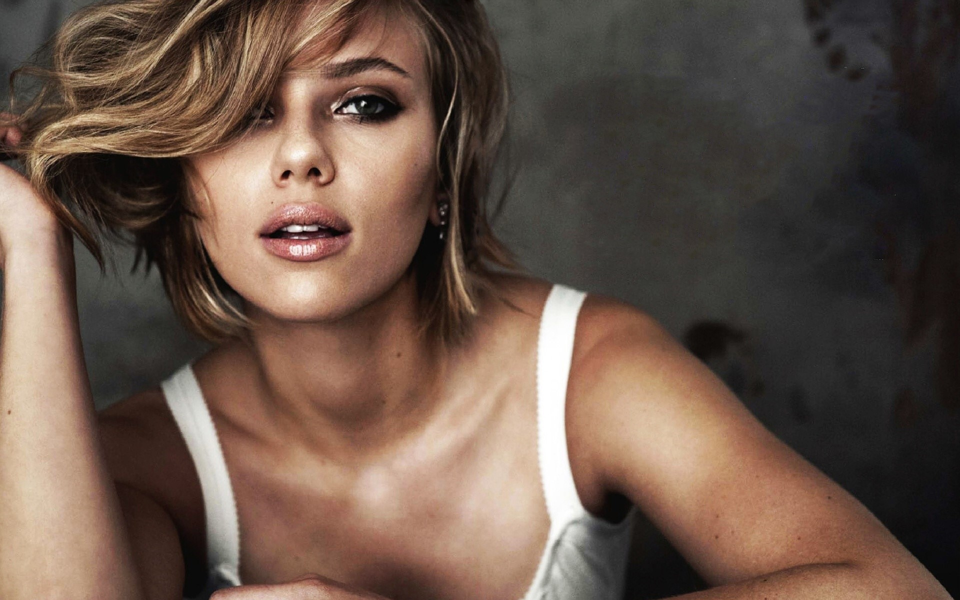 Scarlett Johansson Hollywood Celebrity Wallpaper