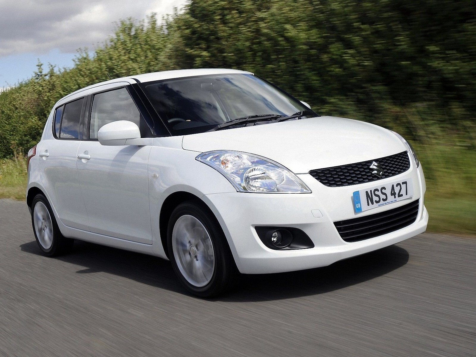Suzuki Swift 2011white Car Wallpaper Hd Wallpapers
