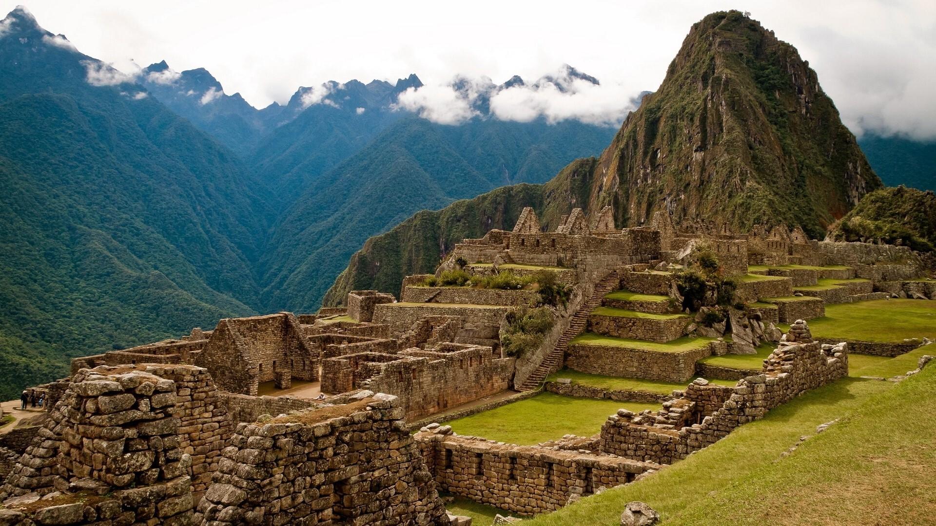 Machu Picchu Historical Place In Peru Wallpaper