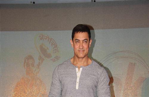 Aamir Khan Pic Download: Aamir Khan In TShirt