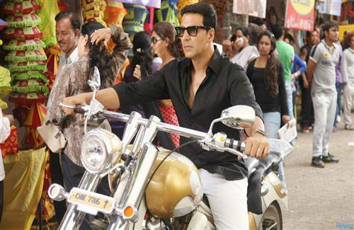 Akshay Kumar in Black Shirt on Bike