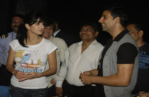 Katrina Kaif Akshay Kumar And Johnny Lever At De Dana Dan