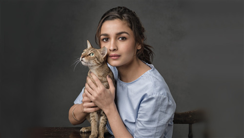 Actress Alia Bhatt 8K Wallpaper