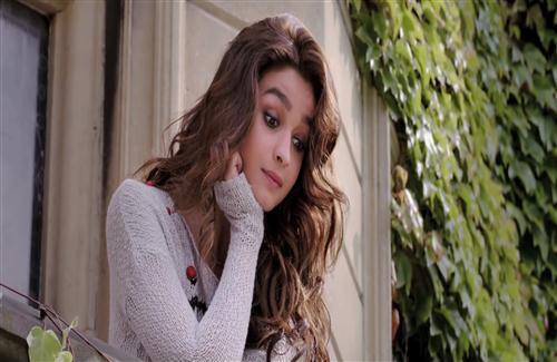 Alia Bhatt in Shaandaar Bollywood Movie HD Wallpaper