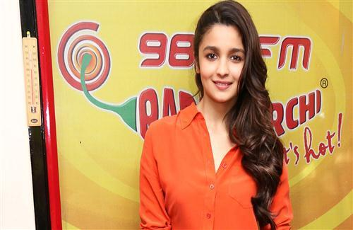 Beautiful Alia Bhatt in Shirt HD Wallpapers