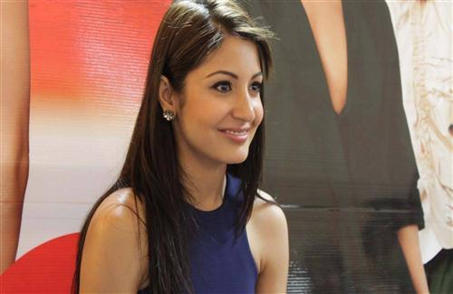 Actress Anushka Sharma in Cute Smile Face