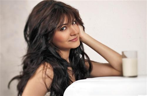 Anushka Sharma Beautiful Hair