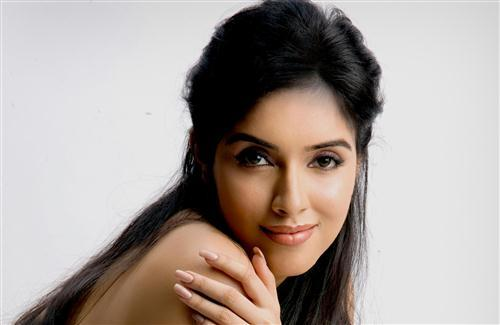 Asin Thottumkal HD Wallpaper Backgrond