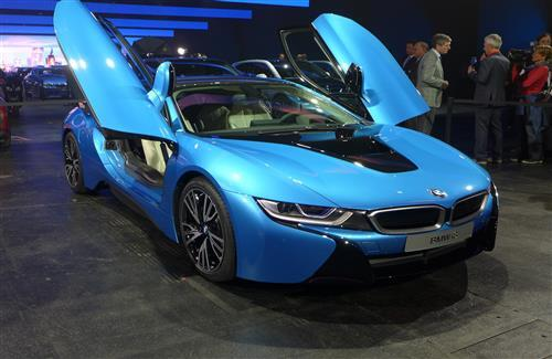 Bmw Mountain View >> Protonic Blue BMW i8 Luxury Two Seater Car with Open Door ...