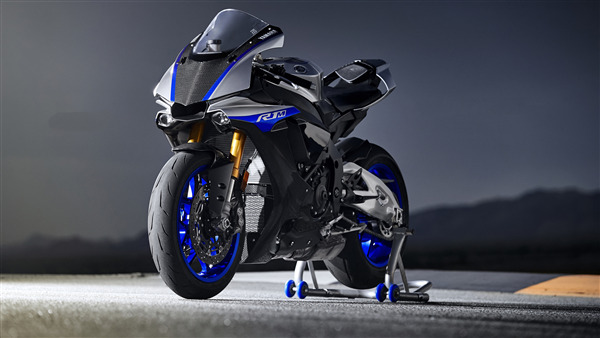 Blue Yamaha R1 4K Ultra HD Wallpaper