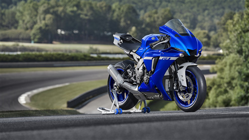 Yamaha YZF R1 2020 Bike 4K Wallpaper