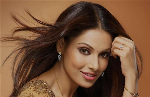 Beautiful Face of Bipasha Basu
