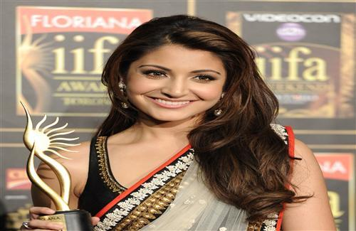 Anushka Sharma in iifa Awar