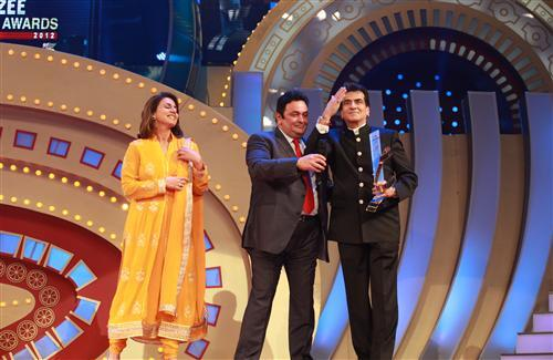 Rishi Kapoor in Zee Cine Awards