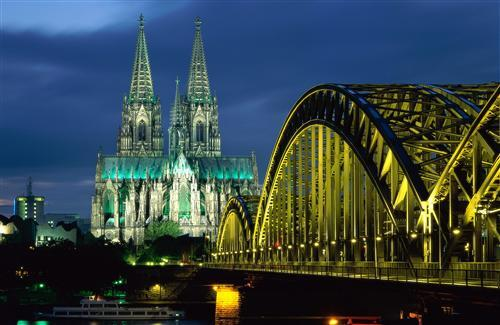 A Beautiful Hohenzollern Bridge in Germany Wallpapers