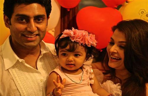 Aradhya Bachchan Cute Baby of Abhishek and Aishwarya Bachchan