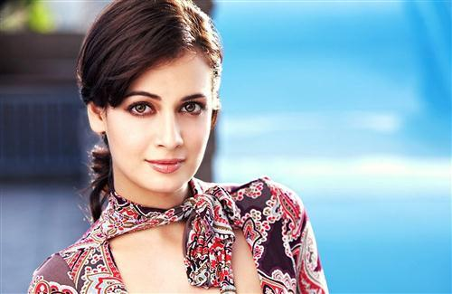 Indian Actress Model Dia Mirza HD Wallpapers