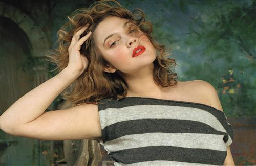 Hot and Sexy Look of Drew Barrymore American Hollywood Actress HD Wallpapers