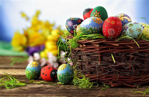 Egg Decoration in Basket for Easter Wallpaper