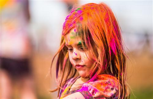 Beautiful Baby Child Girl Play with Colors on Holi Festival of Colors Wallpapers