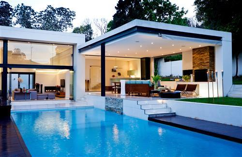 Beautiful luxury house with swiming pool wallpapers for for Normal beautiful house