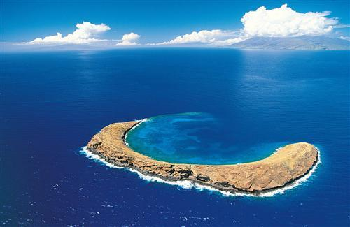 Molokini Crater Island in Blue Sea Wallpaper