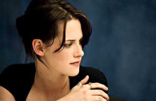 Beautiful Hollywood Actress Kristen Stewart HD Wallpapers