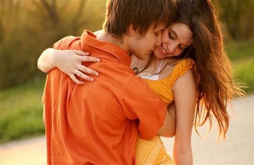 Romantic Couple Hug Love Free Wallpapers