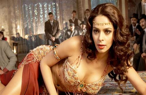 Hot Mallika Sherawat Bollywood Actress