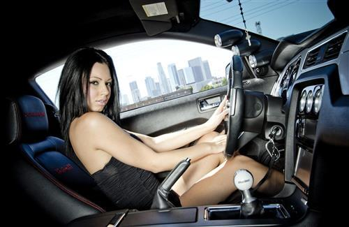 Beautiful Girl Drive a Car Wallpaper