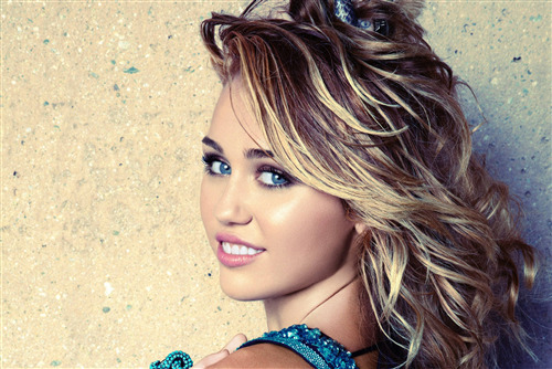 Cute and Beautiful Miley Cyrus Singer of America 4K Wallpaper