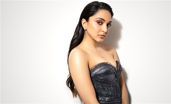 Beautiful Kiara Advani Indian Actress Wallpaper