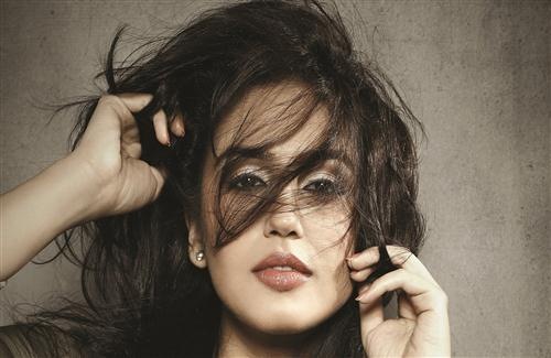 Crazy and Sexy Look of Huma Qureshi Actress Photo