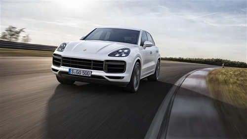 2019 Oncoming Porsche Cayenne Turbo Car